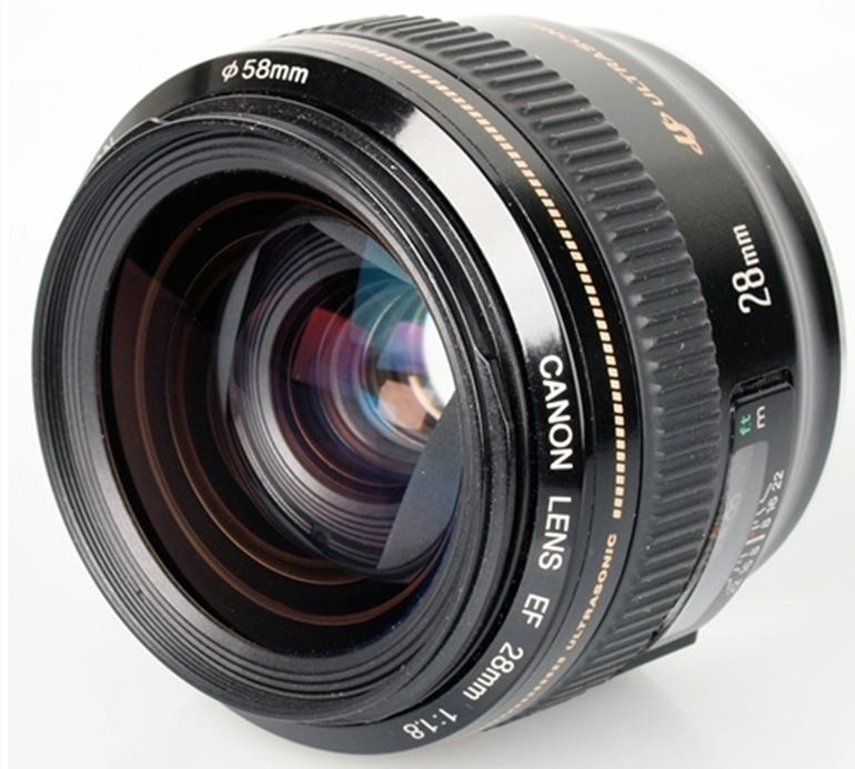 ống kính Canon