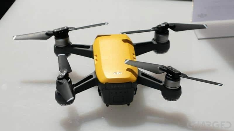 DJI - máy bay gắn camera siêu hiện đại của Spark