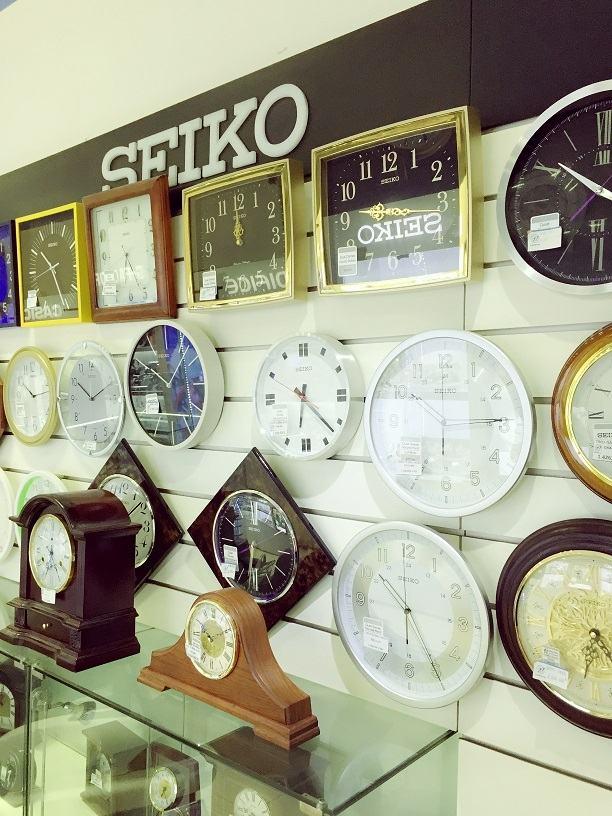 Một số mẫu đồng hồ đẹp tại Tân Thế Kỷ