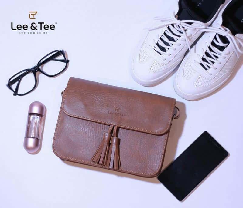 Tại Lee&Tee, mẫu túi xách như trong hình có giá: 365.000 VNĐ