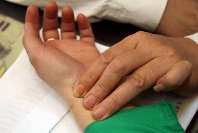 Phòng khám đông y Vạn Đức Đường bằng phương pháp xem mạch hiệu quả