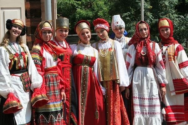 5 bộ trang phục phụ nữ truyền thống quyến rũ nhất thế giới