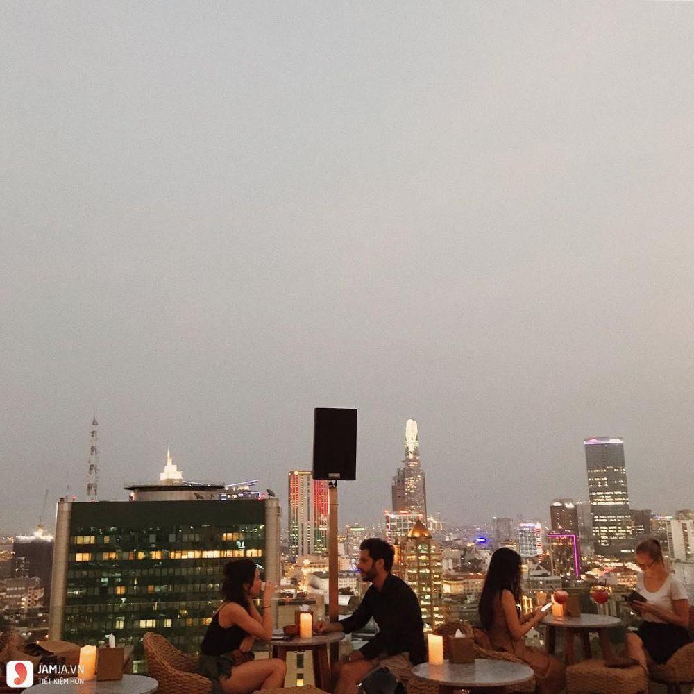 Rooftop Pool Bar 3