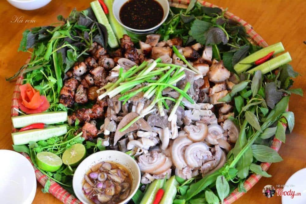 Foody Met Quan 292136 364 636140273296486524