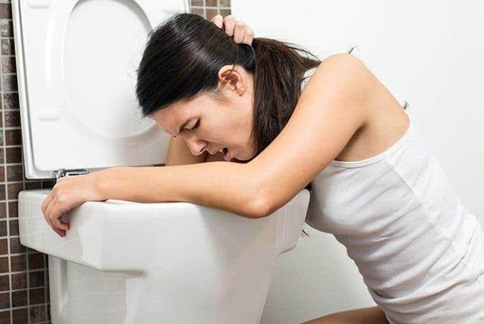 Top 5 tác dụng phụ vô cùng nguy hiểm của tỏi với sức khỏe khi dùng sai cách