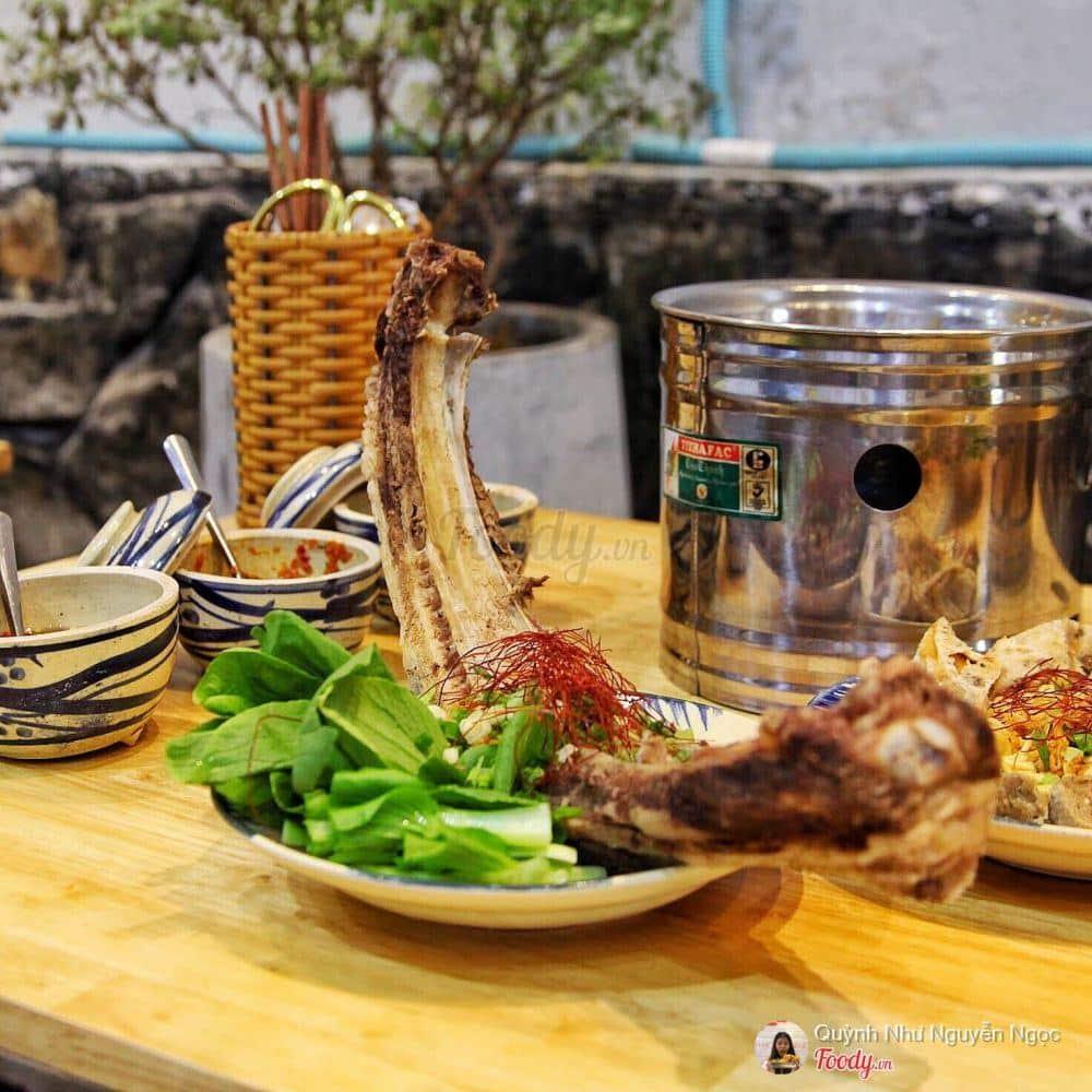 Quán Ăn Ngập Tràn Phomai Làm Điên Đảo Giới Trẻ Tại Tân Bình