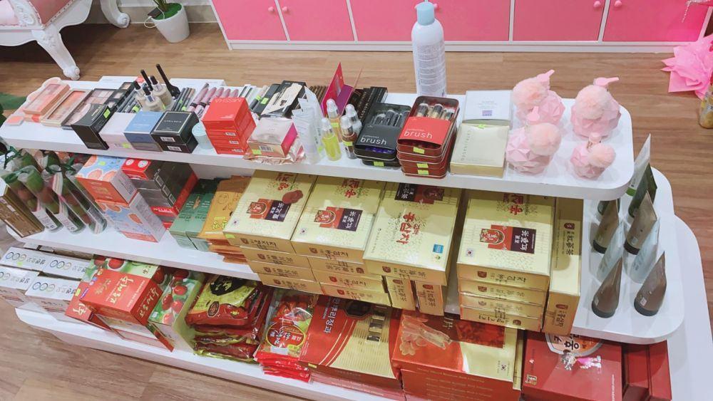Đa dạng các sản phẩm tại Cửa hàng HL Store