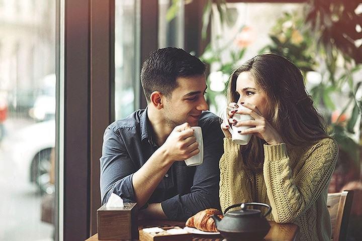 Cặp đôi gặp gỡ nhau nhờ cuộc hẹn trên web hẹn hò nghiêm túc