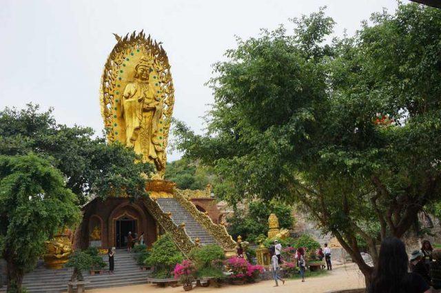 Bức tượng Phật đôi đặc biệt ở sát bờ biển (ẢNH ST)