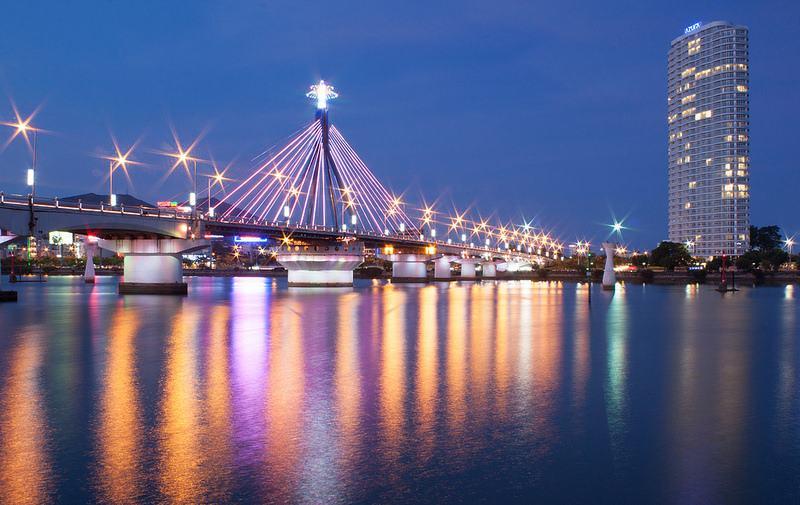 Cầu sông Hàn là một trong những địa điểm du lịch tại Đà Nẵng