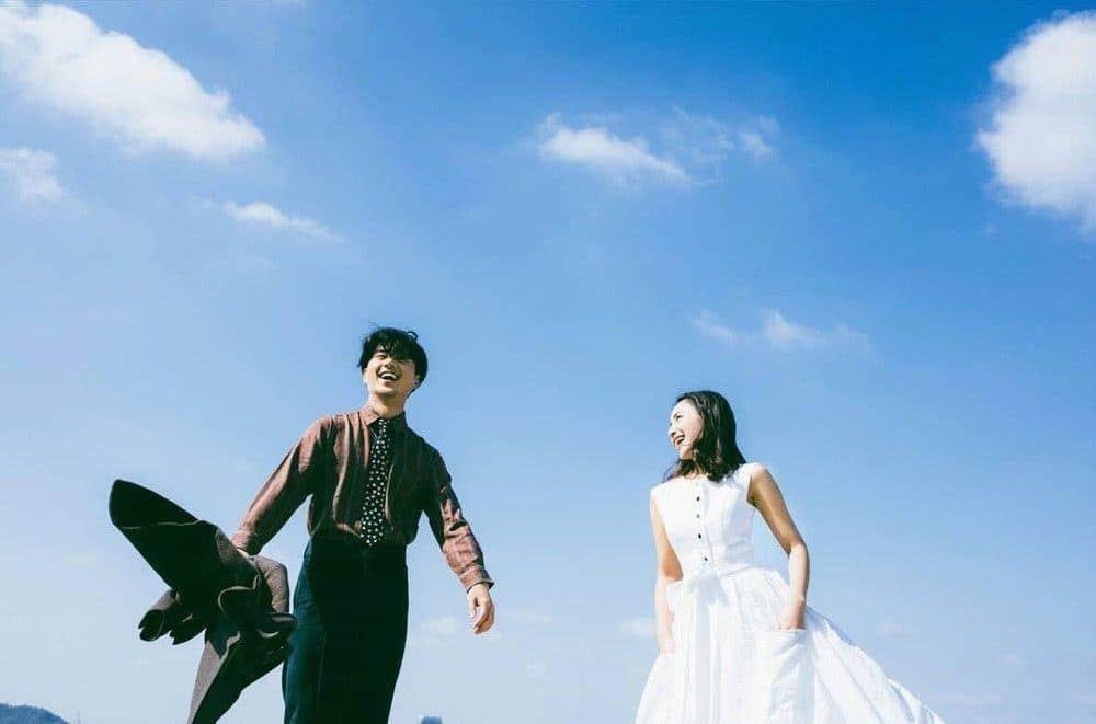cặp đôi khi chụp ảnh cưới