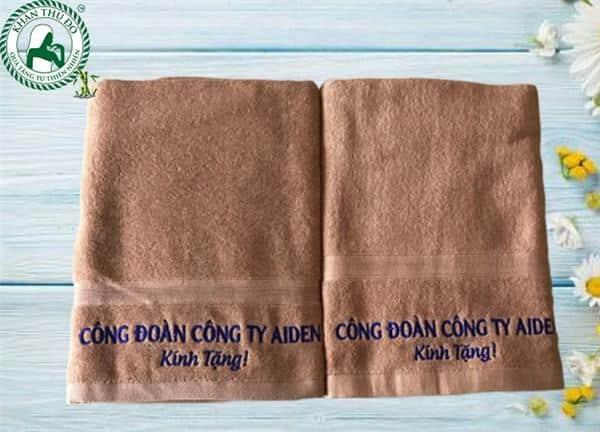 Khăn thêu logo công đoàn công ty Aiden
