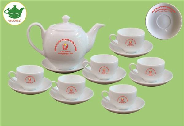 Bộ bình trà Bát Tràng - Quà tặng thi đua điển hình tiên tiến