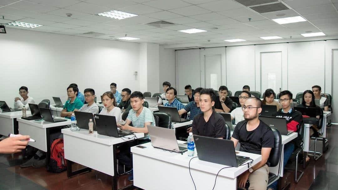 LADIGI - Công ty Dịch vụ và Đào tạo Digital Marketing - Marketing ...