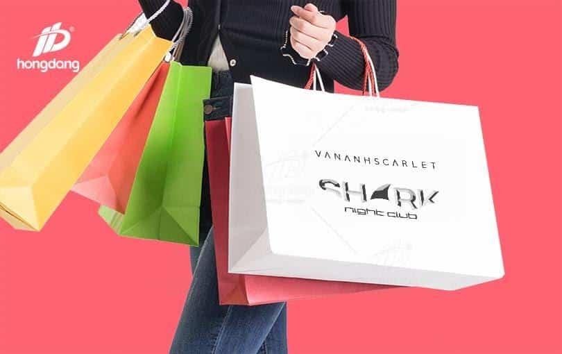 Túi giấy nâng cao giá trị của sản phẩm dịch vụ đối với khách hàng