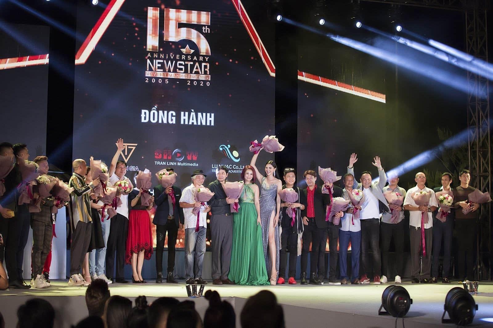 Dàn sao Việt nô nức trẩy hội Dạ tiệc Năm mới của công ty tổ chức sự kiện NewStar - Sao Việt - Việt Giải Trí