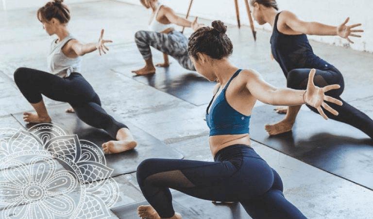 Giữa Yoga và Aerobic đều là những bài tập tốt cho sức khỏe