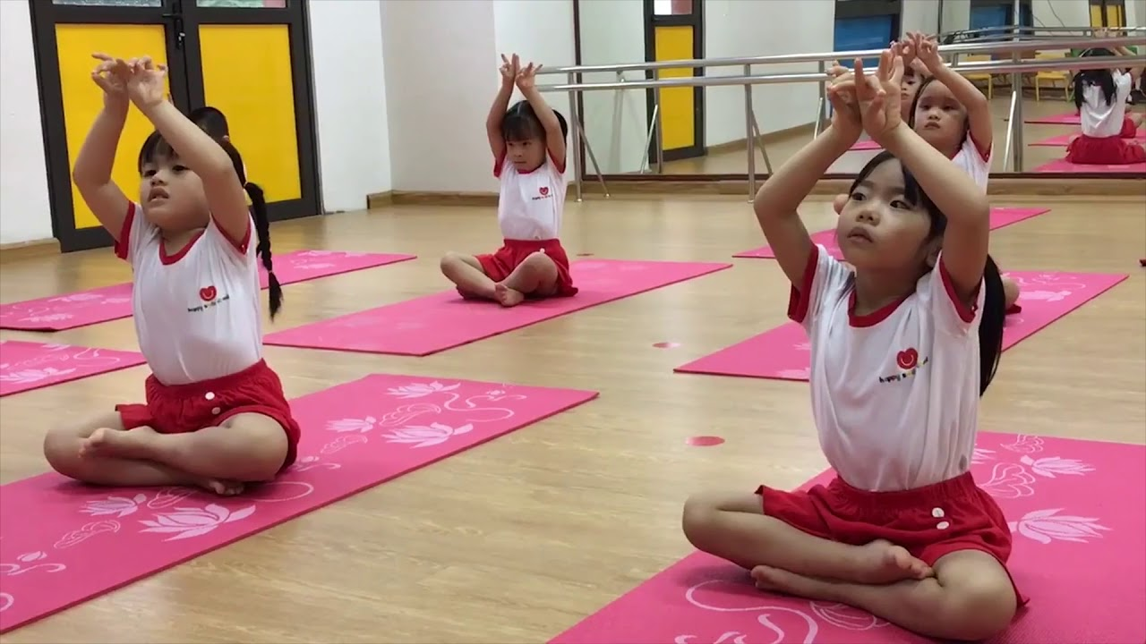 Tập Yoga cho bé nên bắt đầu từ những bài tập dễ