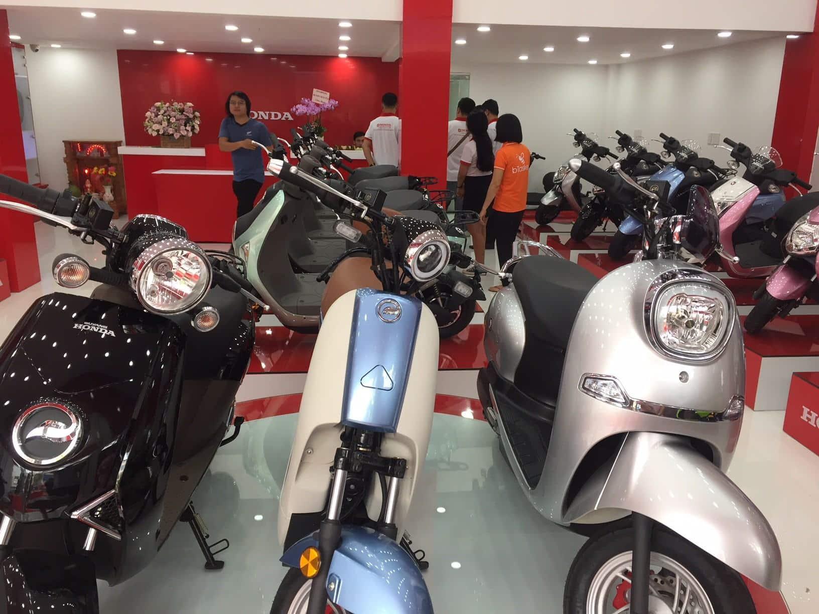 Khai trương cửa hàng xe máy điện Honda tại TP HCM - Báo Người lao động