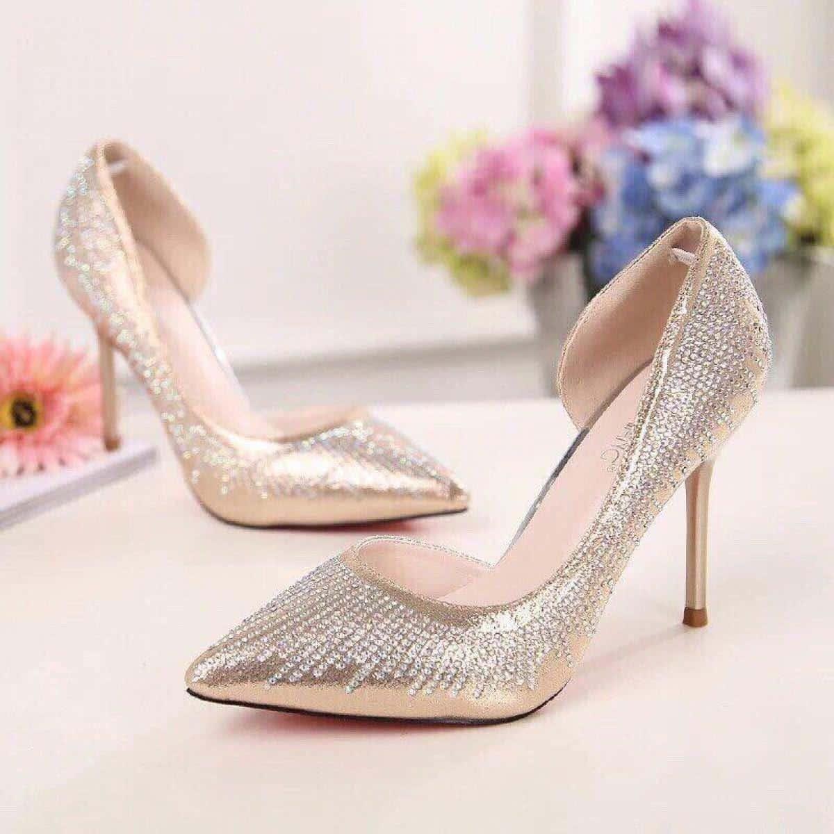 Đi tìm shop giày giá rẻ cho chị em mê giày cao gót - Giày cao gót nữ trẻ đẹp