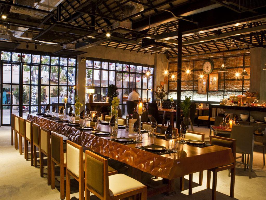 Nhà hàng bên sông Thủ Đức
