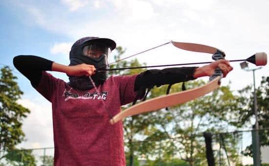 Bắn cung đối kháng: Trải nghiệm sân chơi bắn cung đối kháng đầu tiên tại Việt Nam | VTV.VN