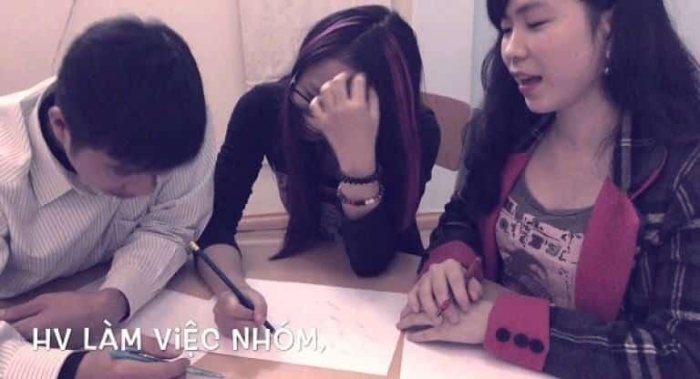 Các bạn học viên tại trung tâm của cô Lê Na