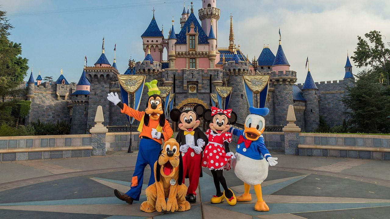 Disneyland mất 32 triệu du khách 2 năm qua