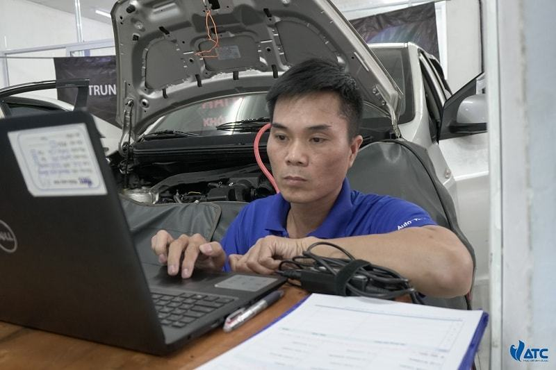 Trung tâm dạy học nghề sửa chữa ô tô ở đâu tốt nhất tại tpHCM?