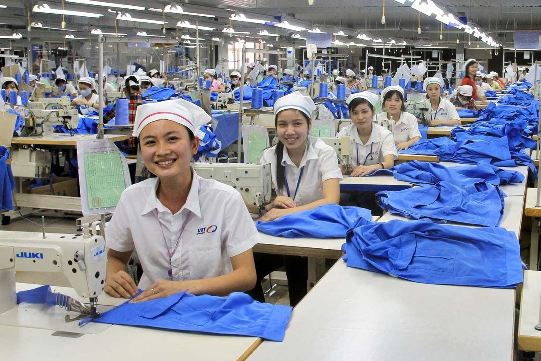 Top xưởng may cho người cần tìm xưởng may gia công TPHCM có dịch vụ tốt  nhất | List.vn