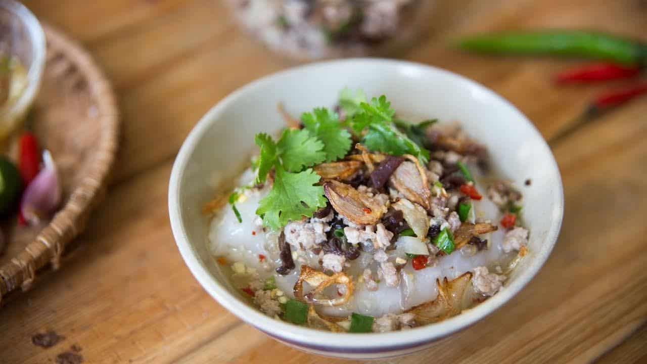 Bánh Đúc Nóng - Steamed Rice Cake w/ Toppings | Helen's Recipes - YouTube