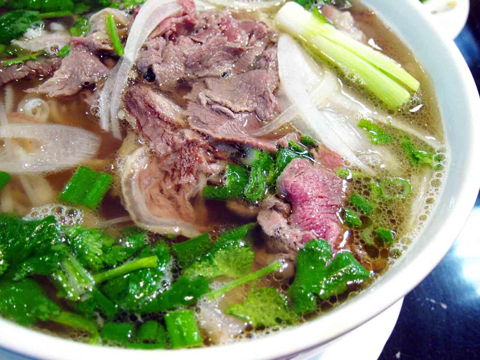 Dẫn bạn gái đi ăn gì ở Hà Nội?Món ngon