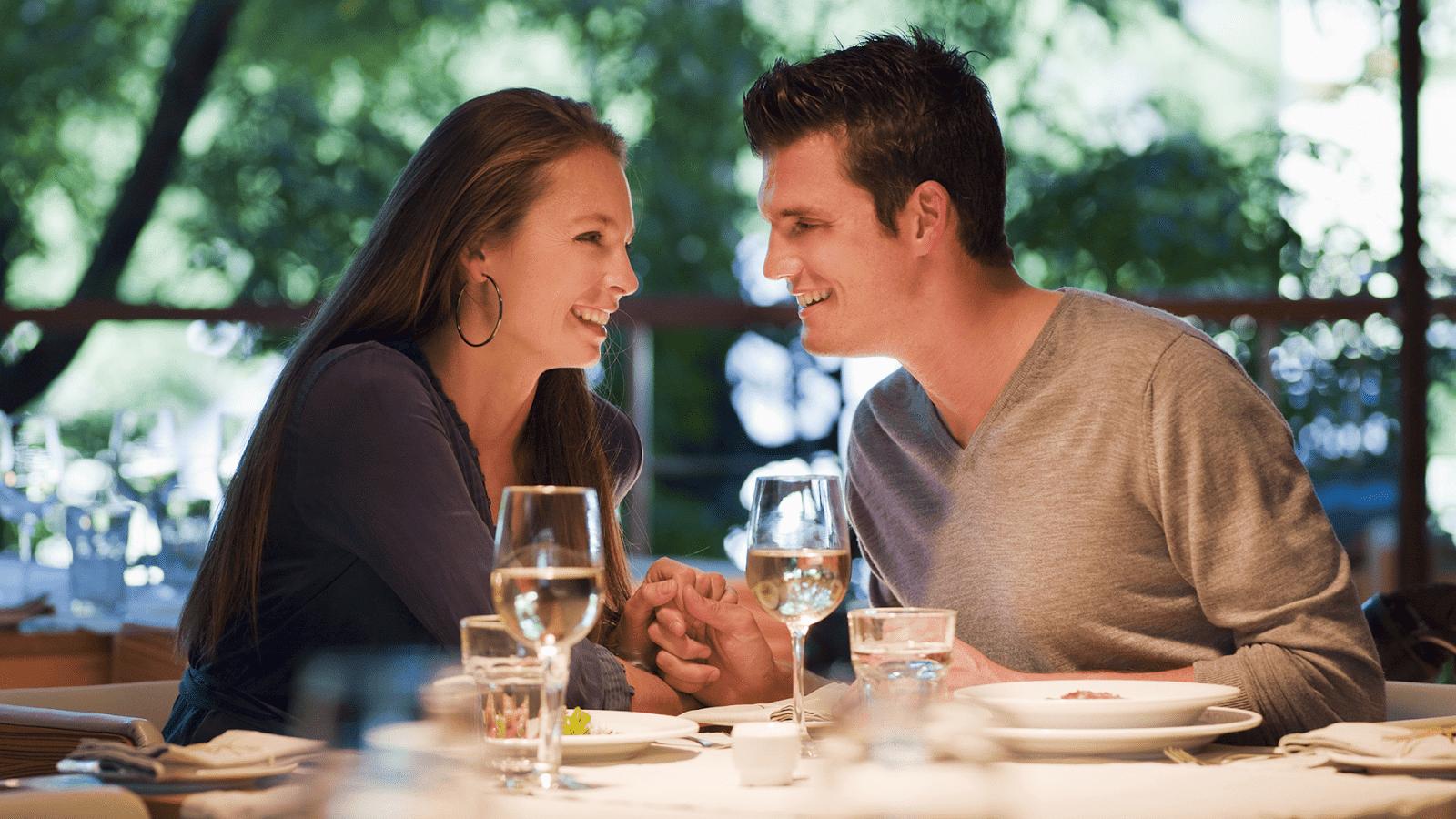25 cách tỏ tình ngày Valentine hay nhất lãng mạn đốn tim đối phương - V1000