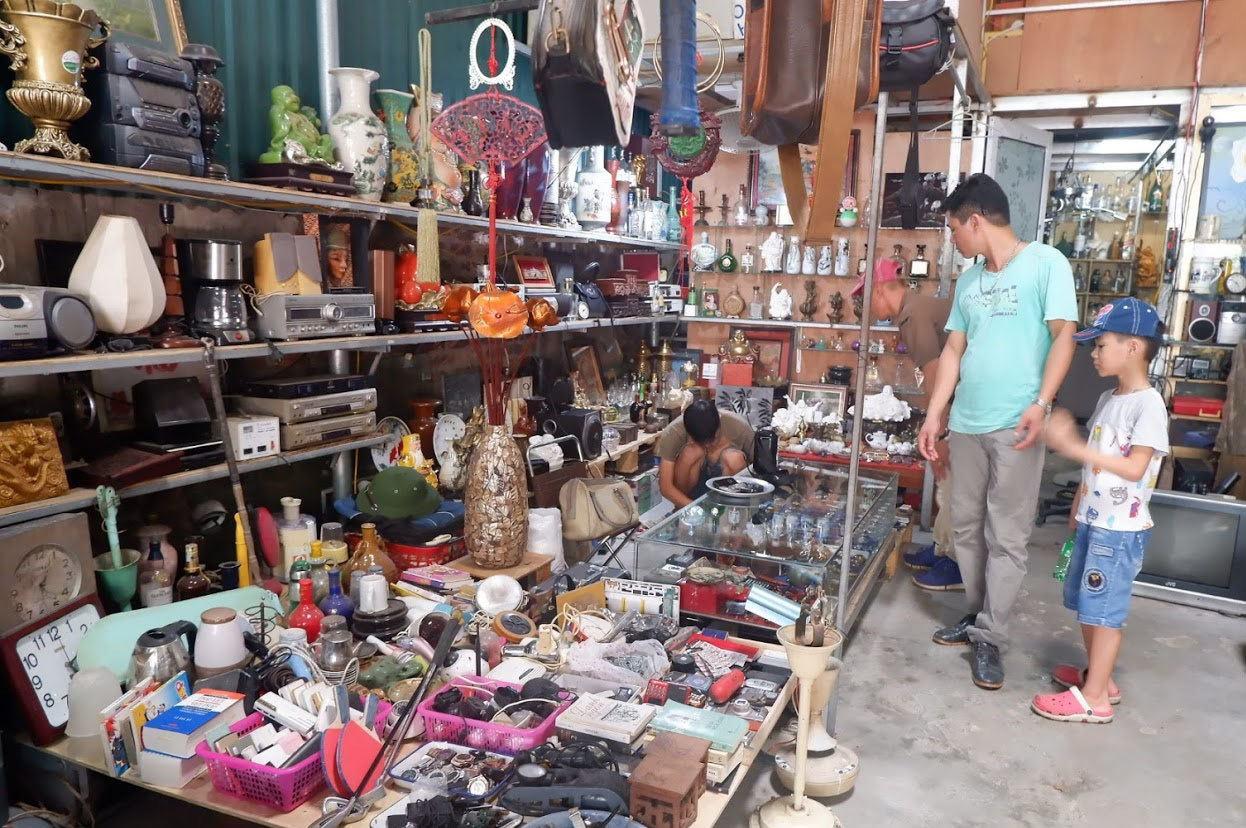 Đi chợ đồ cổ Vạn Phúc, Hà Đông 'săn' hàng gia dụng Nhật bãi - VietNamNet
