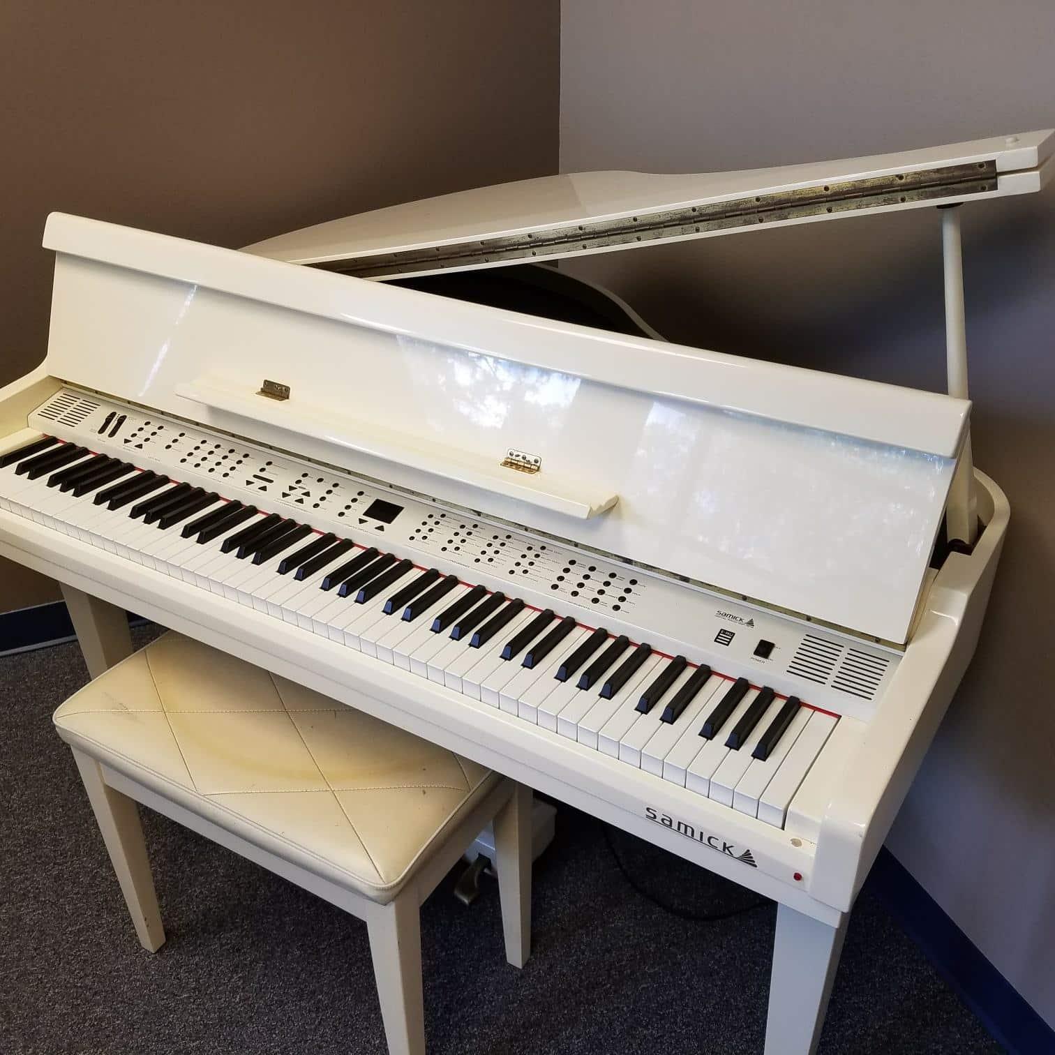 Mua đàn piano điện giá rẻ ở đâu uy tín, chất lượng?