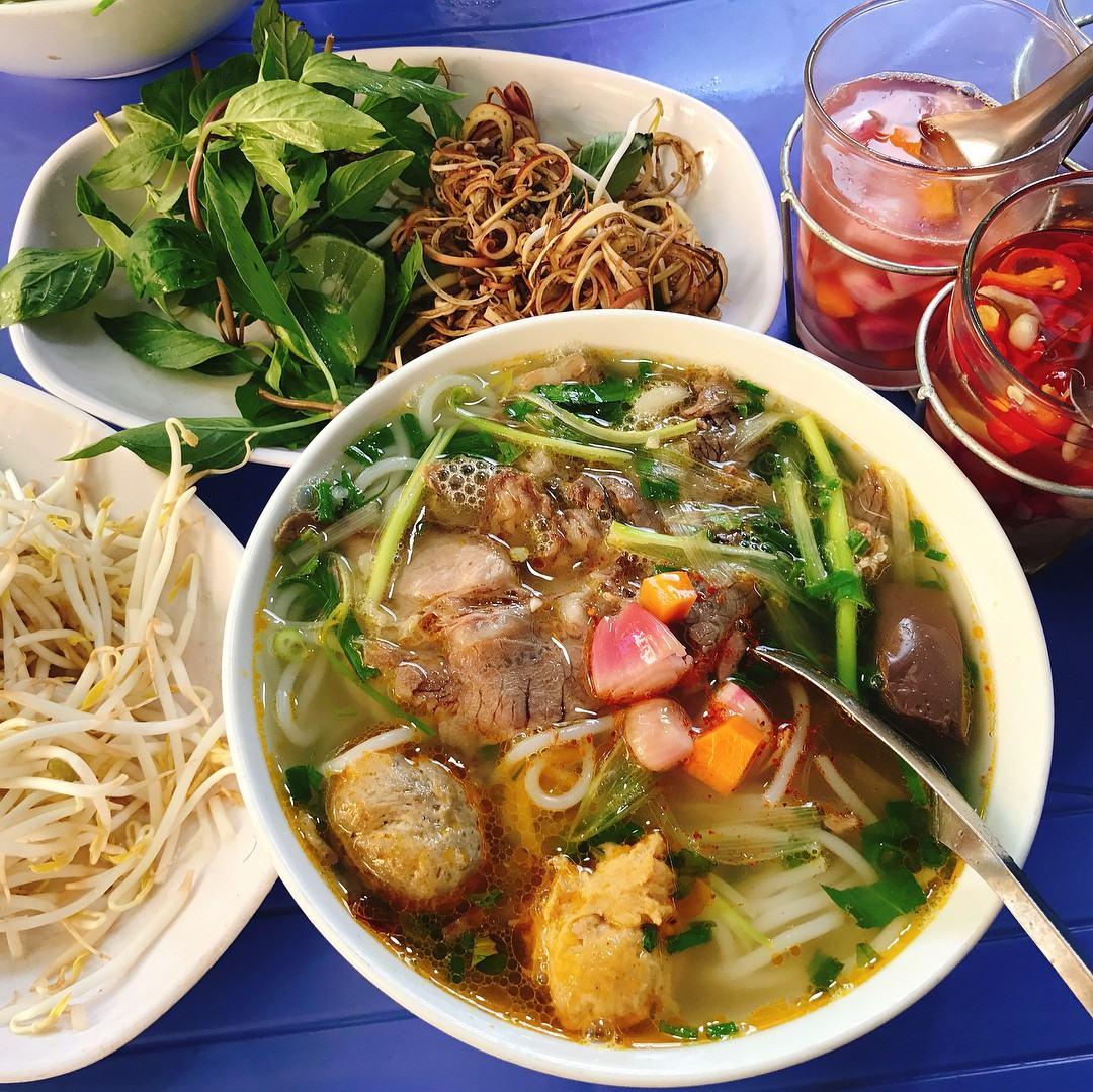 Những quán bún bò Huế ở Hà Nội ngon đậm đà mà bạn nên thử