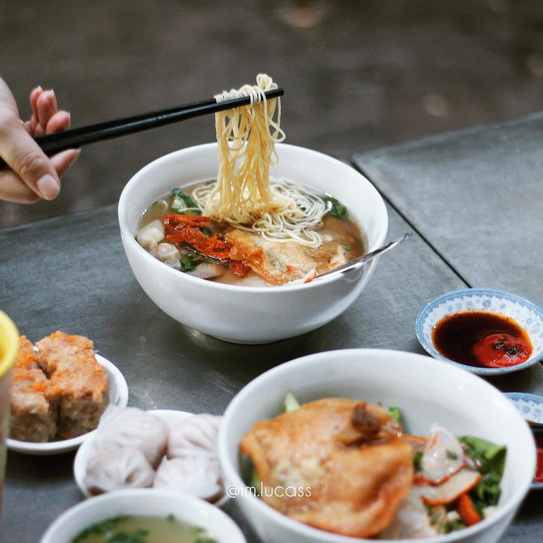 Tiệm mì Thiệu Ký hơn 70 năm ở Sài Gòn nổi tiếng với sợi mì gia truyền làm  từ nước tro tàu