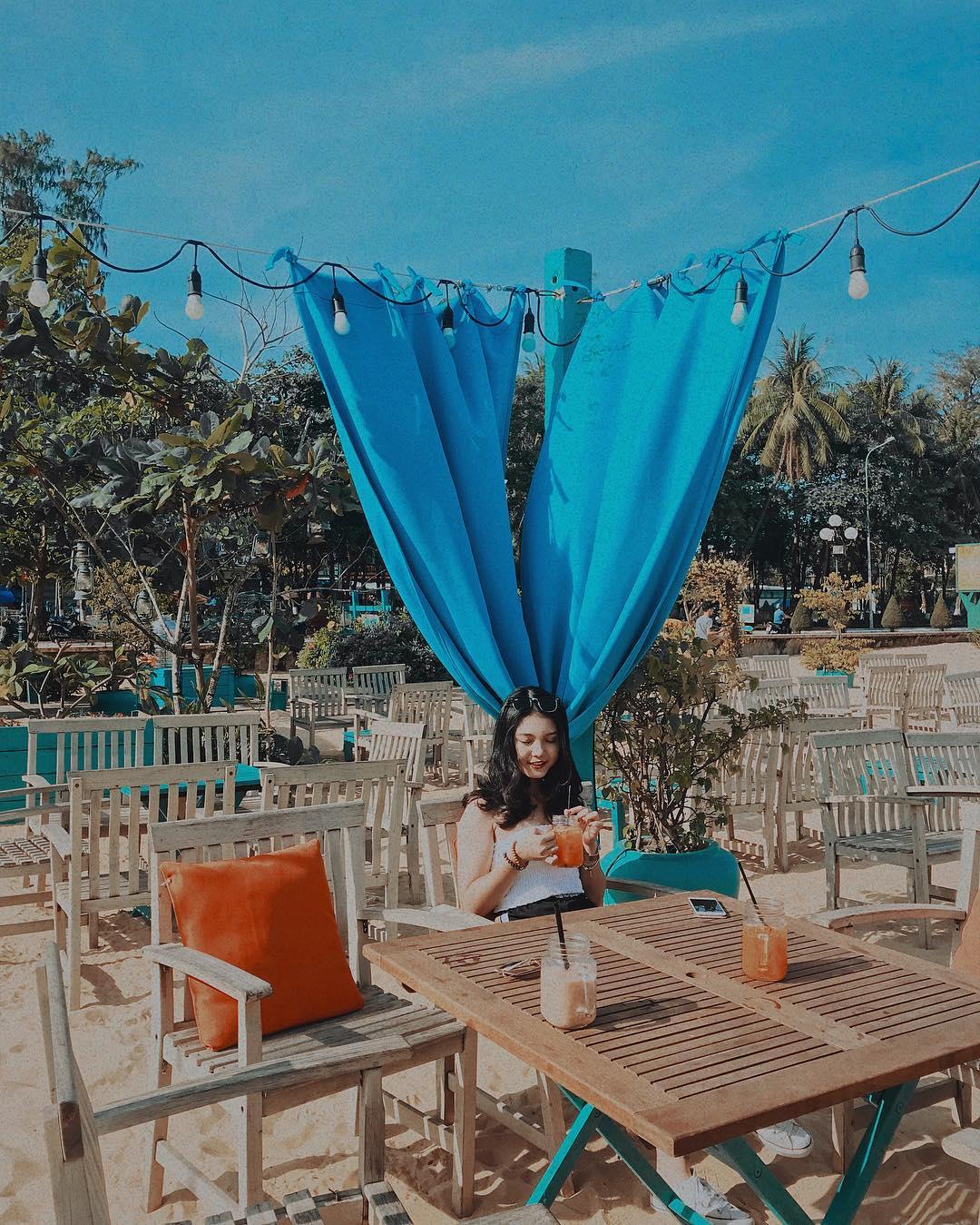 Đẹp ngỡ ngàng 5 quán cafe view biển ở Quy Nhơn - ChuduInfo