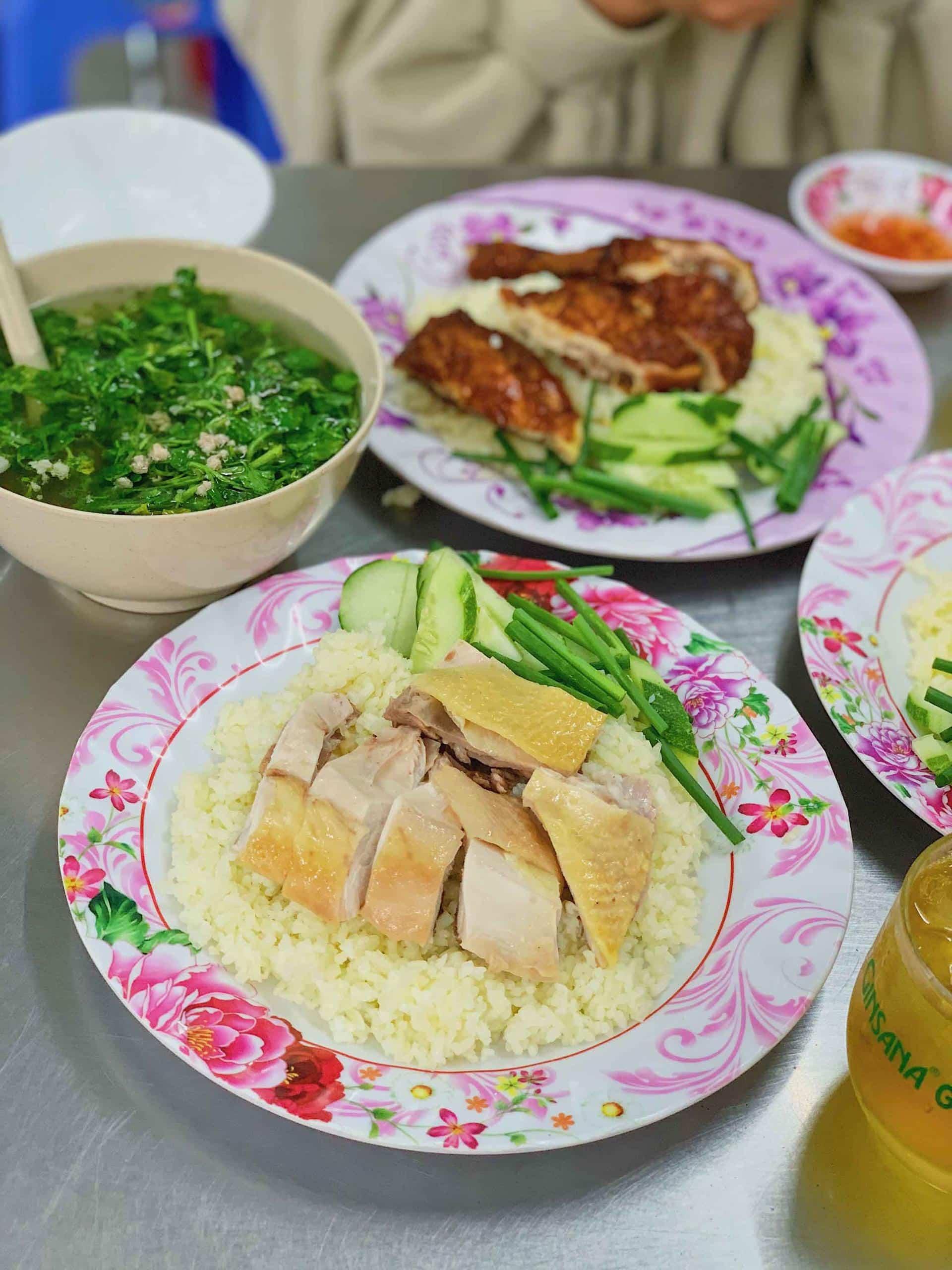 Cơm gà Hà Nội thơm ngon