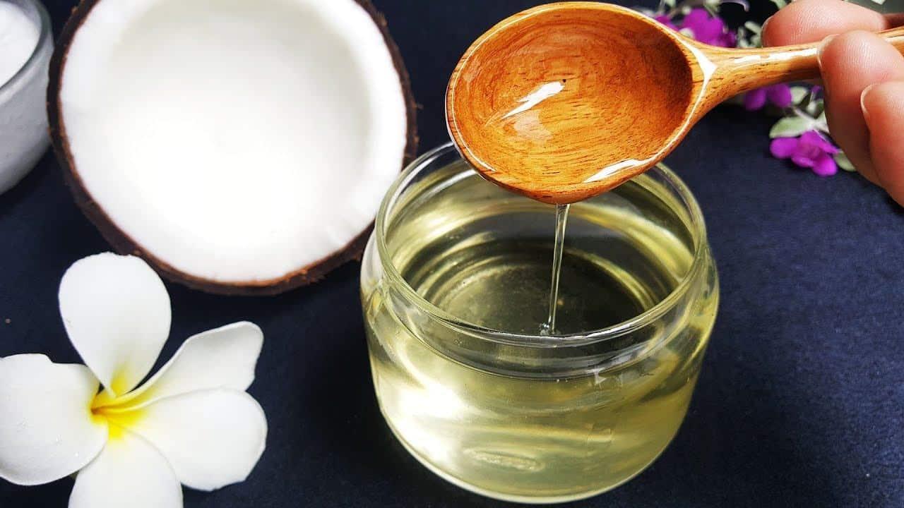 Cách làm Dầu Dừa tại nhà và nhận biết dầu dừa nguyên chất - YouTube