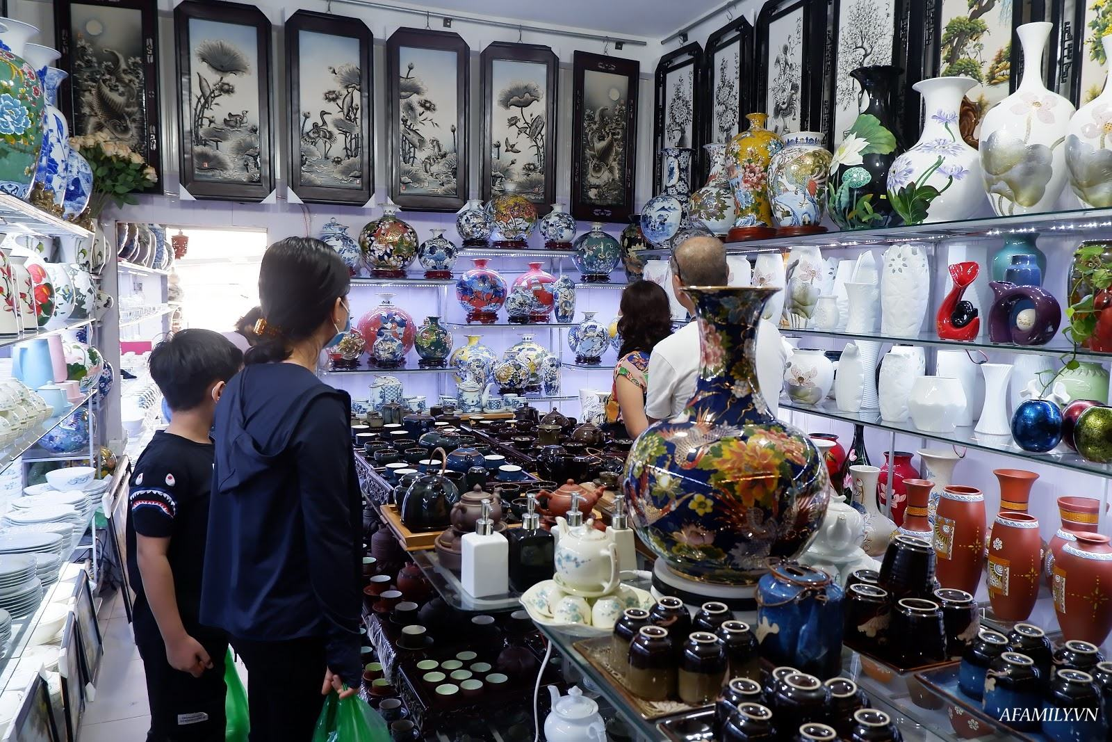 Kinh nghiệm chọn mua đồ gốm sứ Bát Tràng để mười mẫu thì an toàn và chất  lượng cả mười