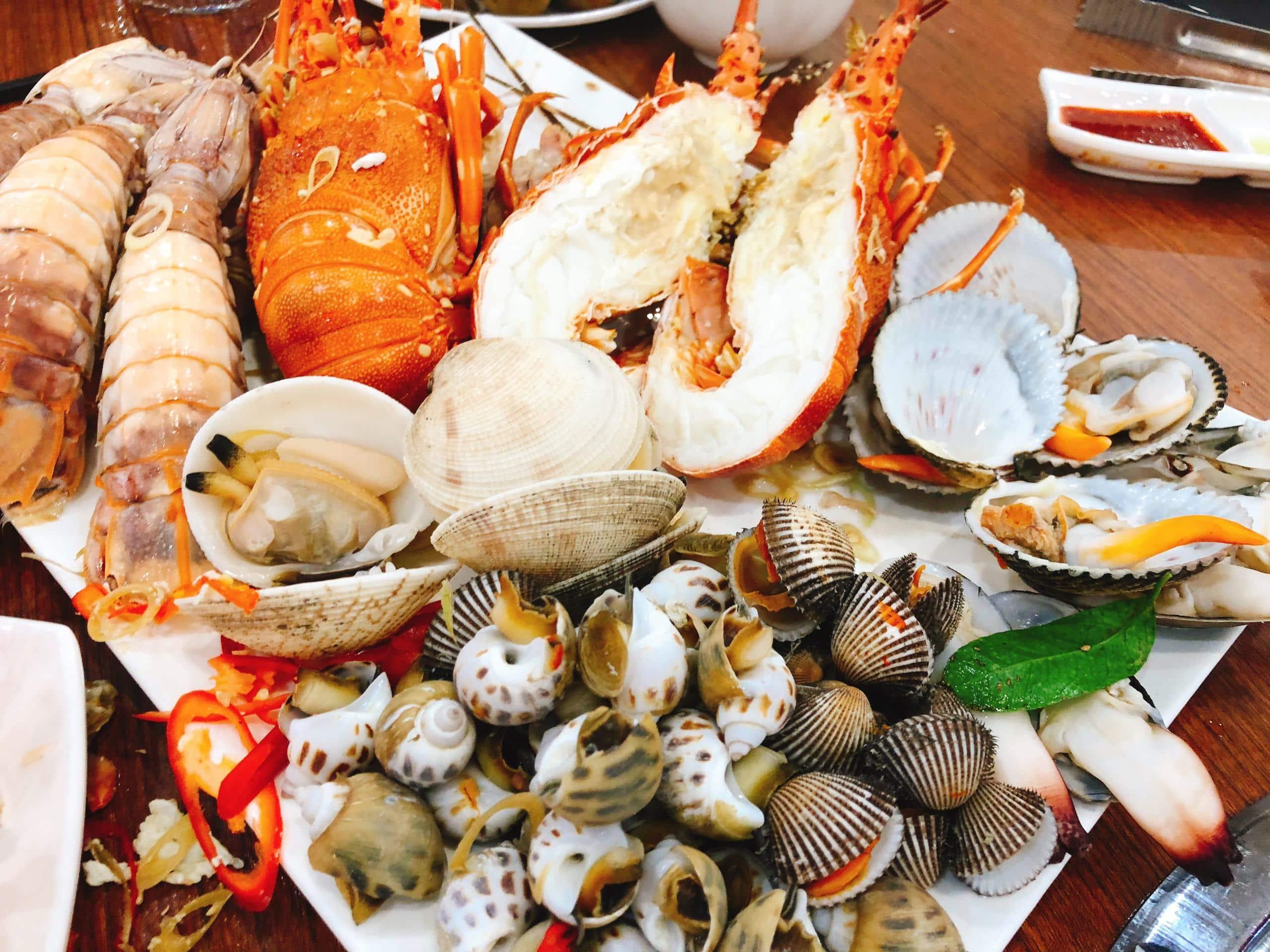 Buffet hải sản tôm hùm TPHCMchất lượng