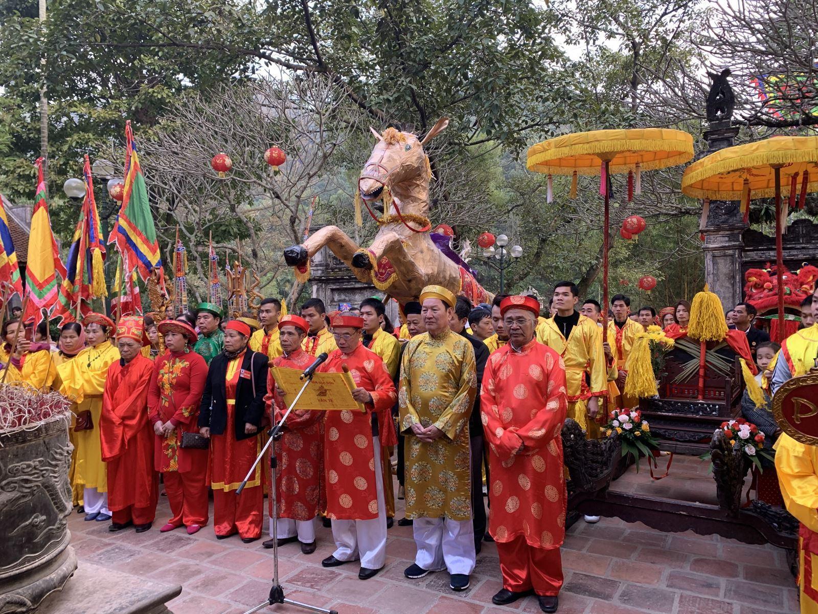 Lễ hội đền Sóc với nhiều nghi thức tưởng nhớ Thánh Gióng | baotintuc.vn