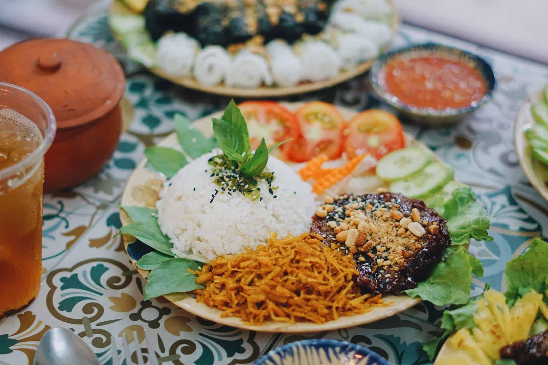 TPHCM] Ngỡ Ngàng Quán Chay Sài Gòn Ngon Hơn Đồ Mặn | Grab VN
