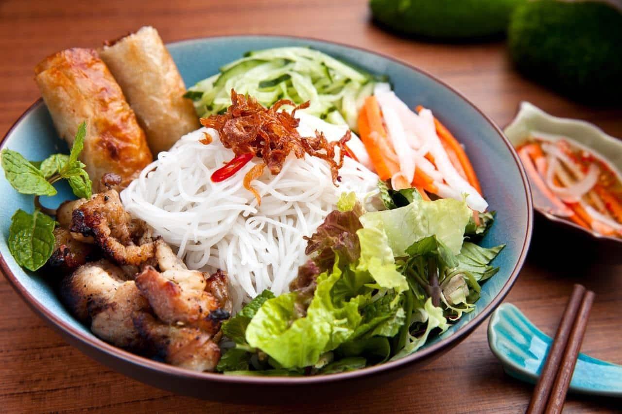 Quán bún thịt nướng Hà Nội nổi tiếng