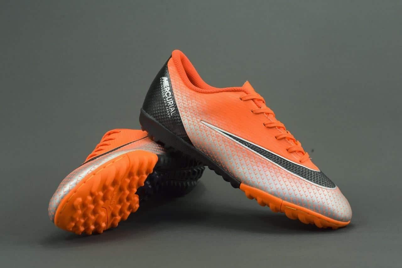 Giày đá bóng Đà Nẵng nổi tiếng