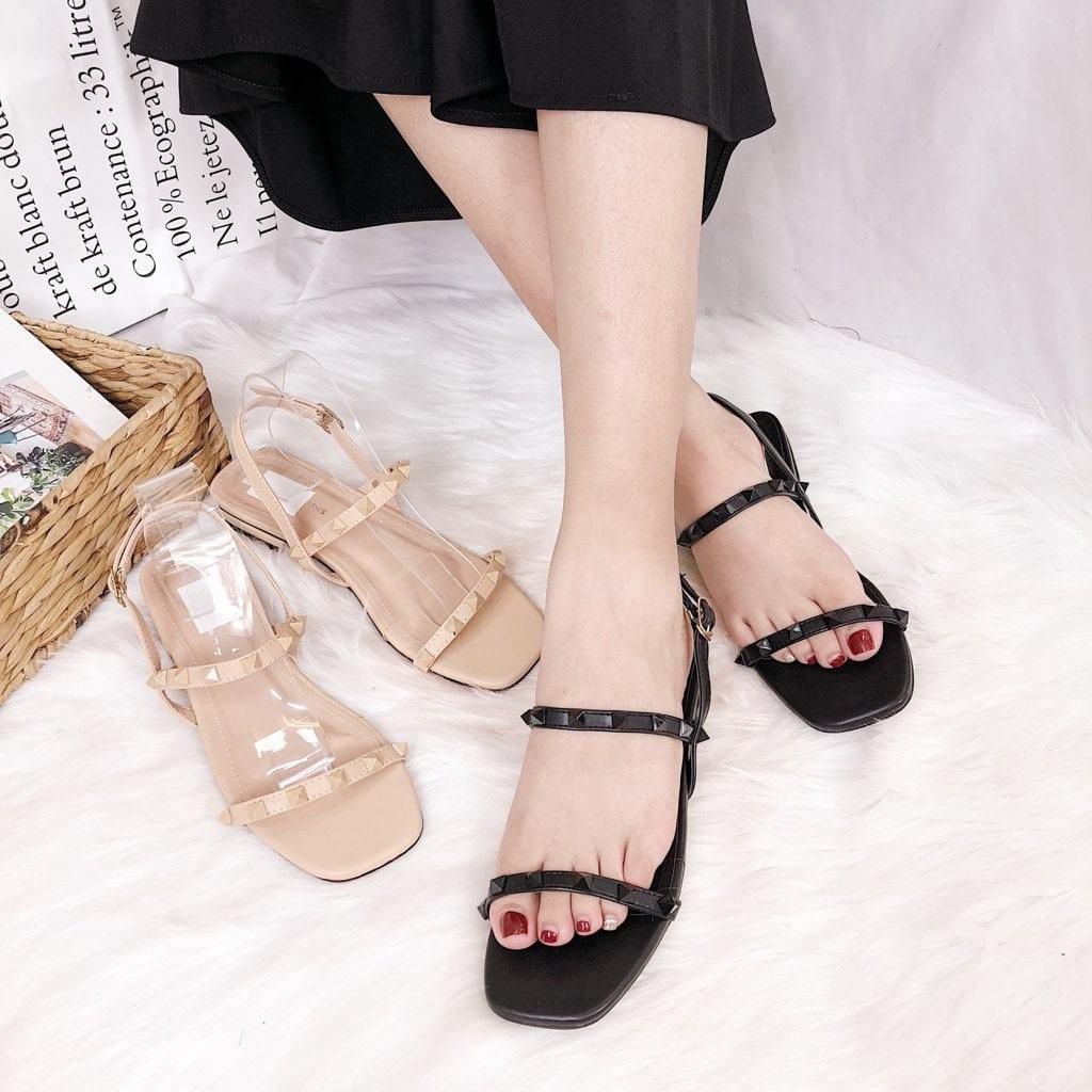 News] Xưởng sản xuất giày dép và bán giày sandal nữ size lớn giá rẻ - Hoàng  Vũ