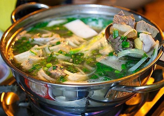 Lẩu bò ngon nổi tiếng ở Sài Gòn - List.vn