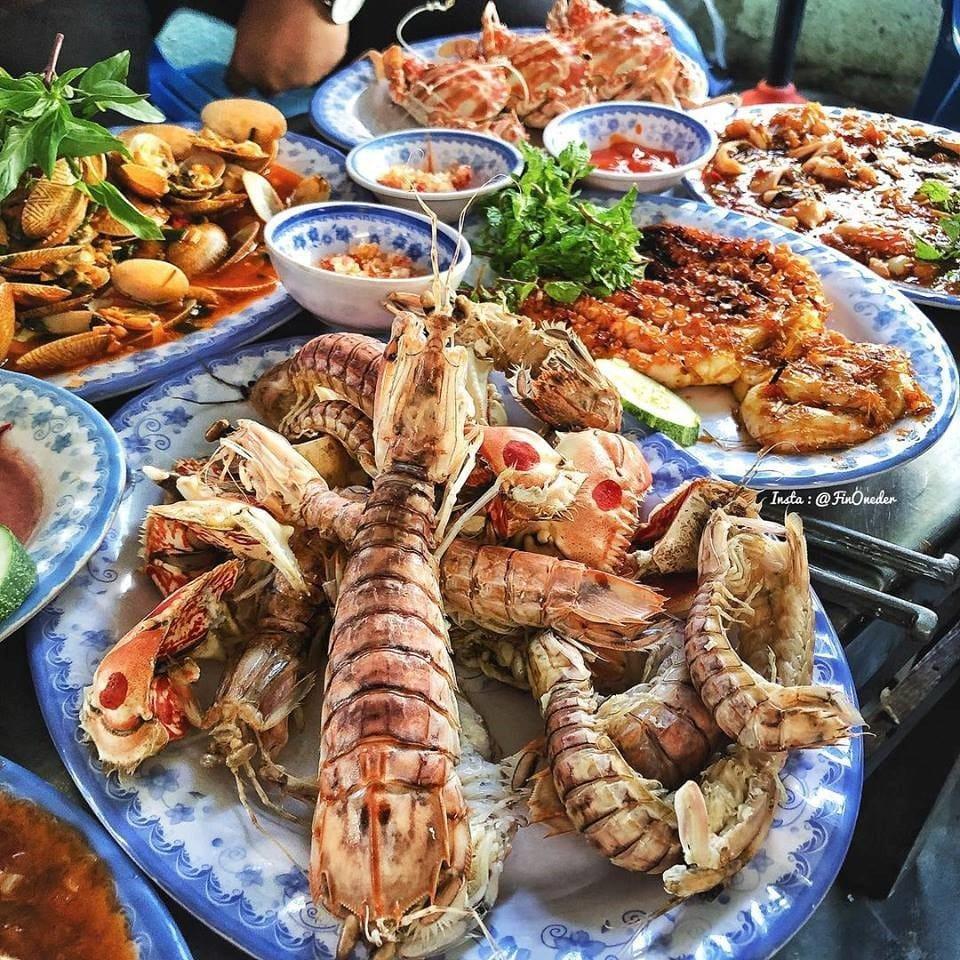 Buffet hải sản Sài Gòn nổi tiếng