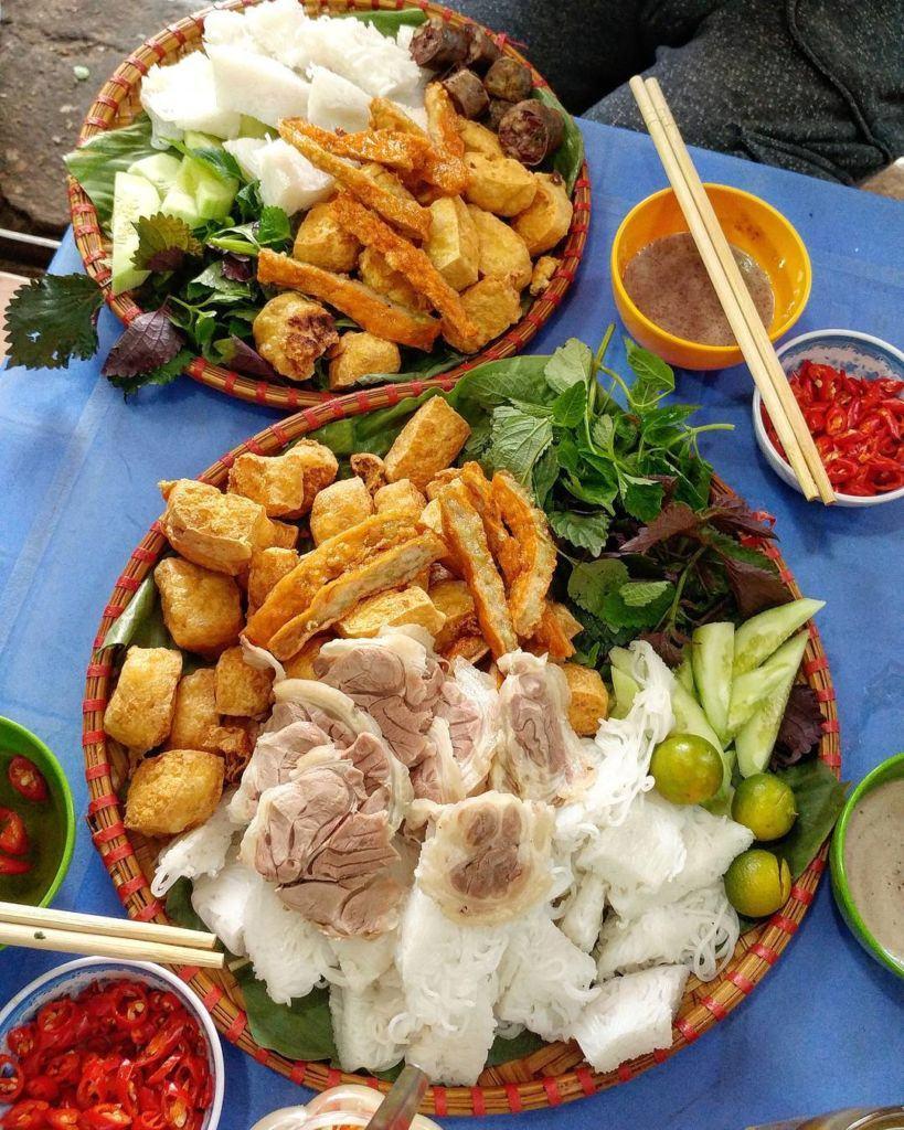 10 quán bún đậu mắm tôm Sài Gòn nổi tiếng nhất, 'ăn là ghiền'